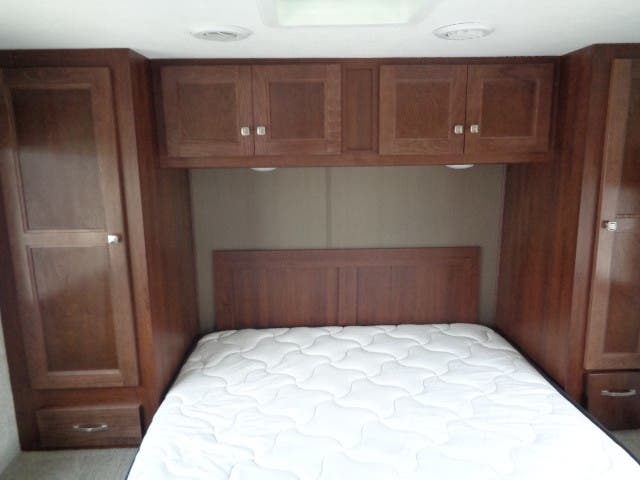 2020 Forest River Sunseeker 2850S LE Thumbnail