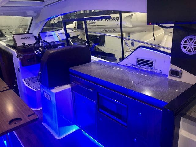 2020 Four Winns boat for sale, model of the boat is 355V/CoupeOB & Image # 6 of 25