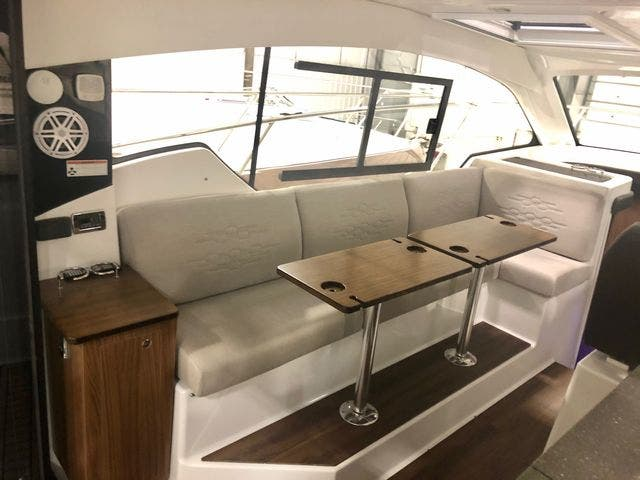 2020 Four Winns boat for sale, model of the boat is 355V/CoupeOB & Image # 20 of 25