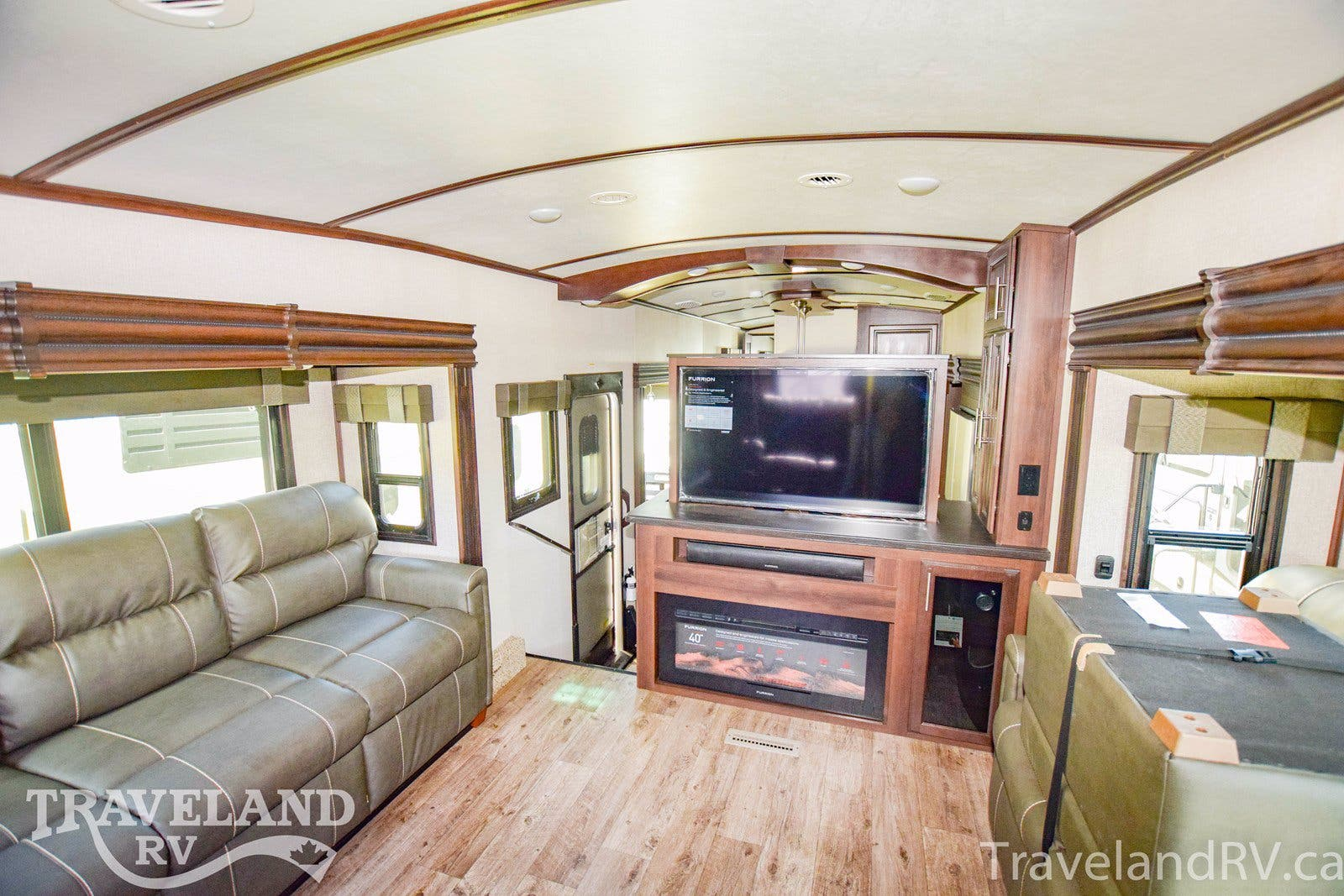 2020 Jayco North Point 385THWS Thumbnail