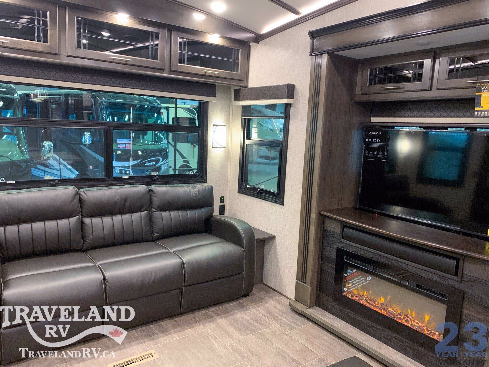 2020 Jayco Pinnacle 36SSWS Thumbnail
