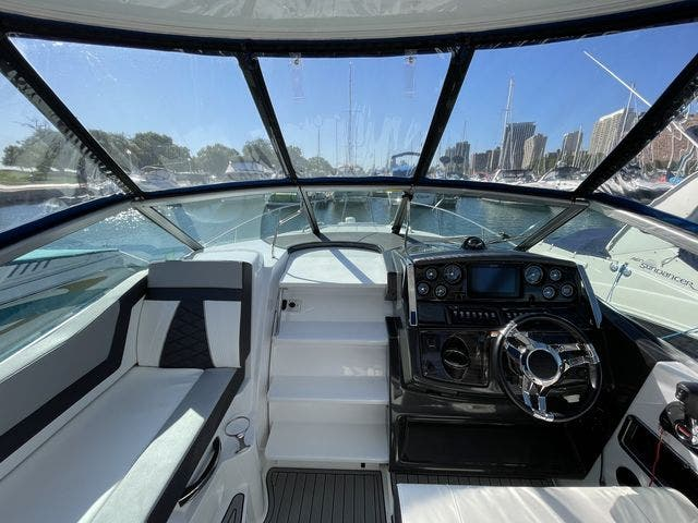 2020 Monterey boat for sale, model of the boat is 295 SPORT YACHT & Image # 7 of 17