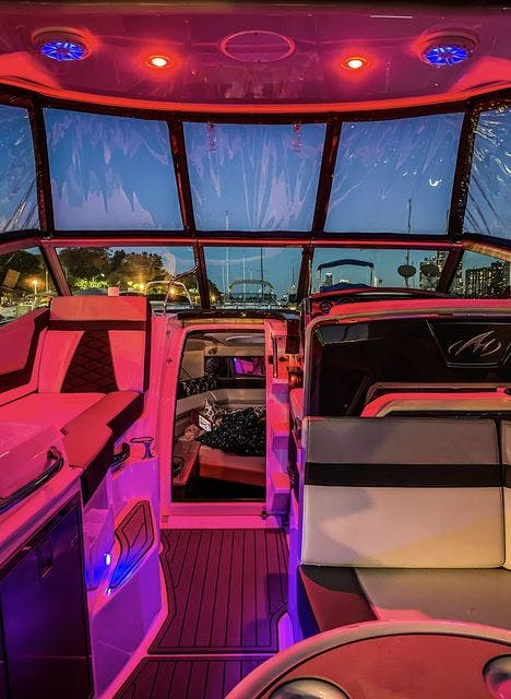 2020 Monterey boat for sale, model of the boat is 295 SPORT YACHT & Image # 8 of 17