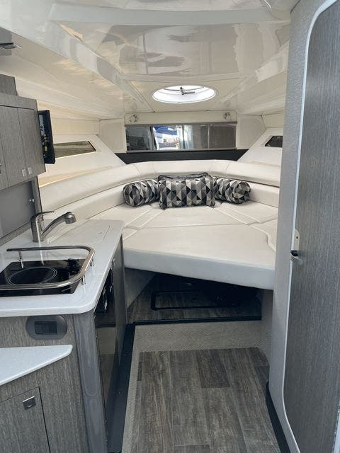 2020 Monterey boat for sale, model of the boat is 295 SPORT YACHT & Image # 10 of 17
