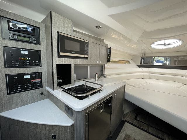 2020 Monterey boat for sale, model of the boat is 295 SPORT YACHT & Image # 11 of 17