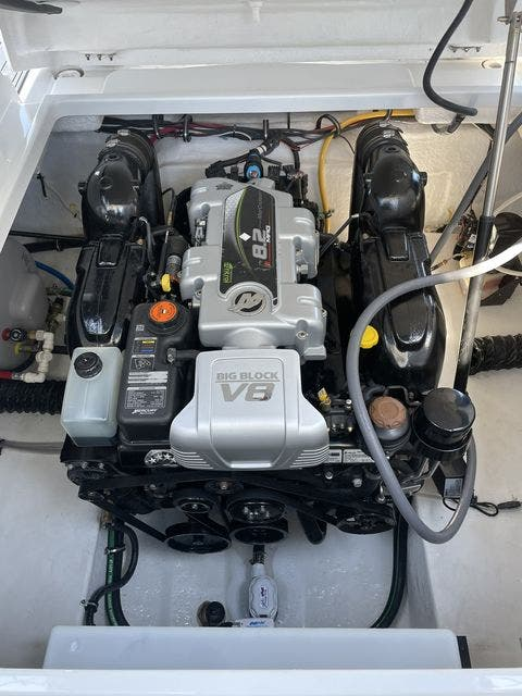 2020 Monterey boat for sale, model of the boat is 295 SPORT YACHT & Image # 15 of 17