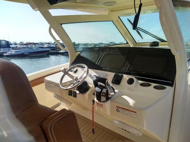 2020 Scout boat for sale, model of the boat is 420LXF & Image # 7 of 9