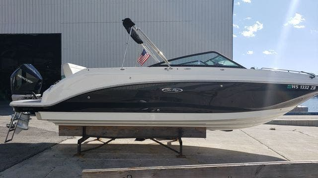 2020 Sea Ray boat for sale, model of the boat is 250SDXO & Image # 3 of 36