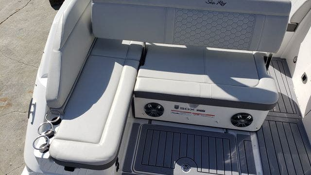 2020 Sea Ray boat for sale, model of the boat is 250SDXO & Image # 6 of 36