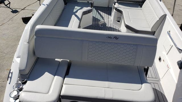 2020 Sea Ray boat for sale, model of the boat is 250SDXO & Image # 8 of 36