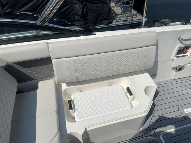 2020 Sea Ray boat for sale, model of the boat is 250SDXO & Image # 12 of 36