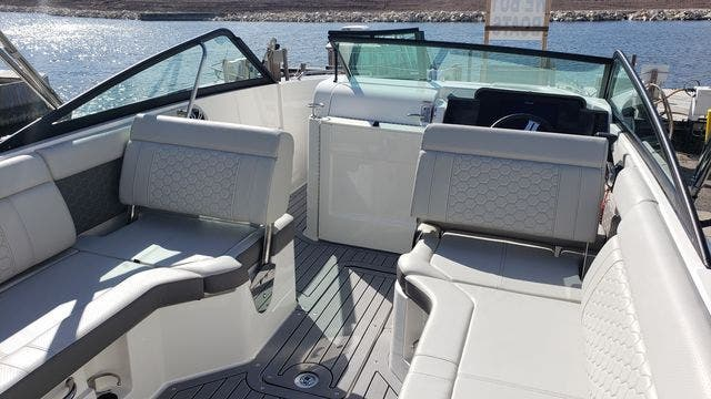 2020 Sea Ray boat for sale, model of the boat is 250SDXO & Image # 14 of 36