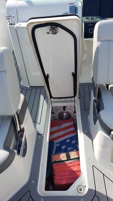 2020 Sea Ray boat for sale, model of the boat is 250SDXO & Image # 15 of 36