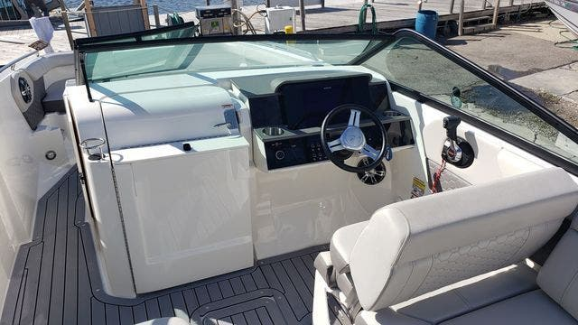 2020 Sea Ray boat for sale, model of the boat is 250SDXO & Image # 19 of 36