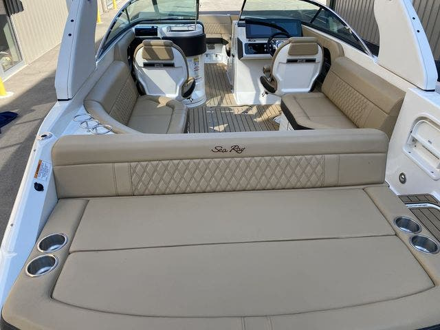 2020 Sea Ray boat for sale, model of the boat is 250SLX & Image # 4 of 13