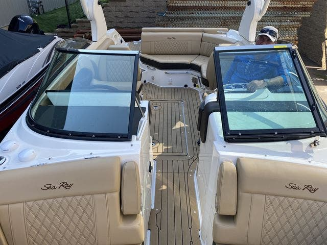 2020 Sea Ray boat for sale, model of the boat is 250SLX & Image # 8 of 13