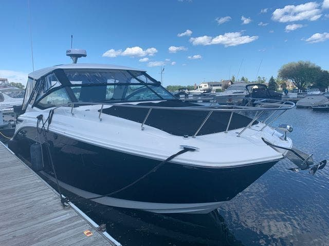 2020 Sea Ray boat for sale, model of the boat is 320DAO & Image # 4 of 29
