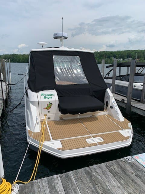 2020 Sea Ray boat for sale, model of the boat is 320 SUNDANCER & Image # 3 of 8
