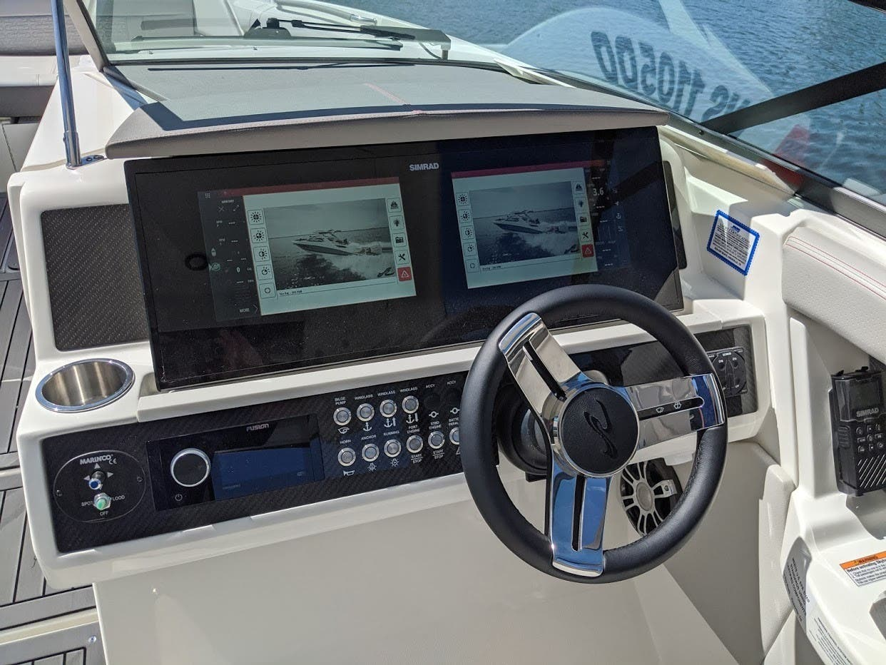 2020 Sea Ray boat for sale, model of the boat is 350SLX/R & Image # 11 of 16