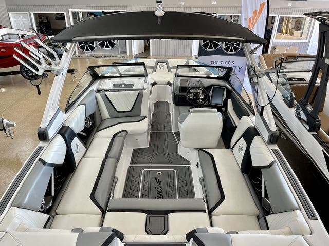 2020 Tige boat for sale, model of the boat is 22-RZX & Image # 3 of 10