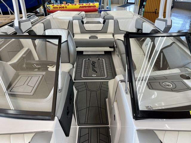 2020 Tige boat for sale, model of the boat is 22-RZX & Image # 5 of 10