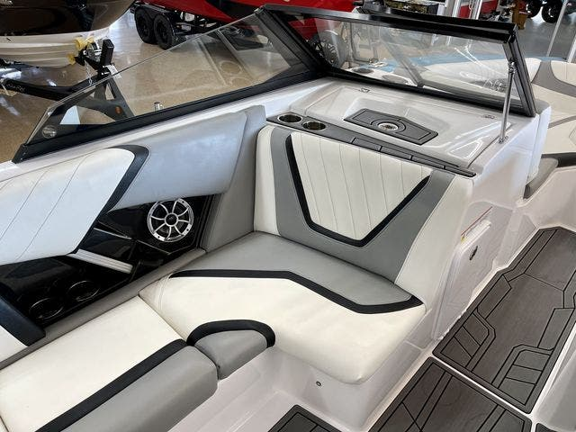 2020 Tige boat for sale, model of the boat is 22-RZX & Image # 6 of 10