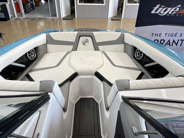2020 Tige boat for sale, model of the boat is 22-RZX & Image # 7 of 10