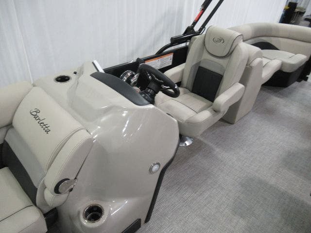 2021 Barletta boat for sale, model of the boat is C22QC & Image # 11 of 26