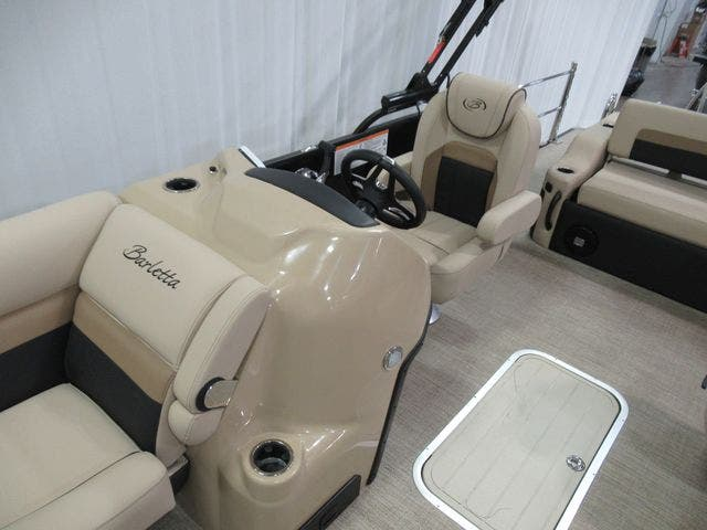 2021 Barletta boat for sale, model of the boat is C22UCTT & Image # 11 of 23