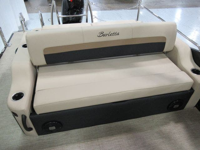 2021 Barletta boat for sale, model of the boat is C22UCTT & Image # 16 of 23