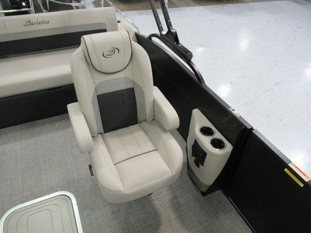 2021 Barletta boat for sale, model of the boat is C22UCTT & Image # 19 of 25