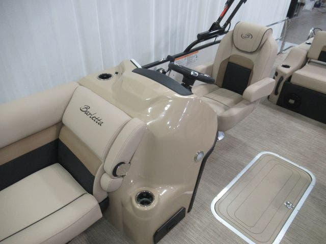 2021 Barletta boat for sale, model of the boat is C22UCTT & Image # 11 of 24
