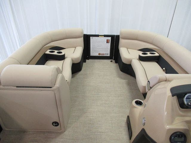 2021 Barletta boat for sale, model of the boat is C22UCTT & Image # 7 of 22
