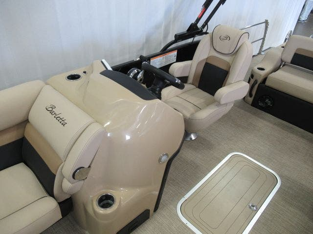 2021 Barletta boat for sale, model of the boat is C22UCTT & Image # 10 of 22