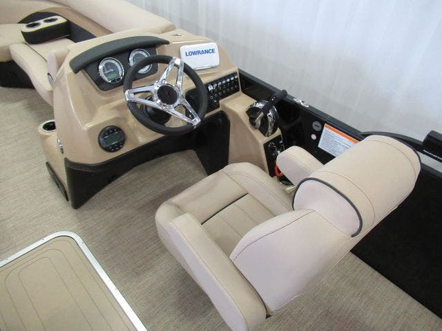 2021 Barletta boat for sale, model of the boat is C22UCTT & Image # 11 of 22