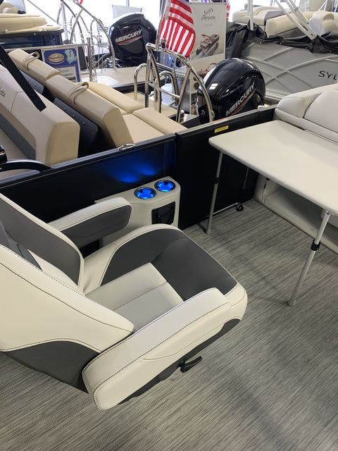 2021 Barletta boat for sale, model of the boat is Corsa23QC & Image # 5 of 17