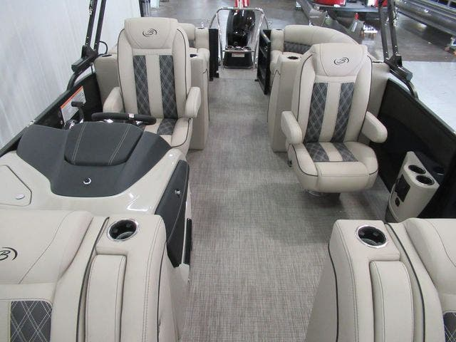 2021 Barletta boat for sale, model of the boat is L23QC & Image # 9 of 28
