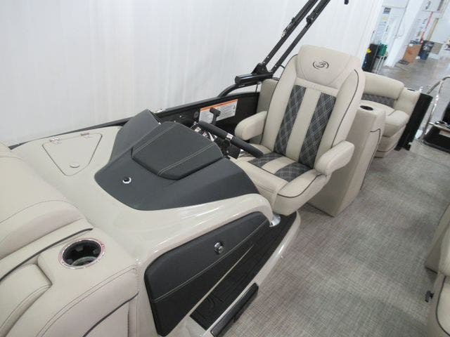 2021 Barletta boat for sale, model of the boat is L23QC & Image # 11 of 28