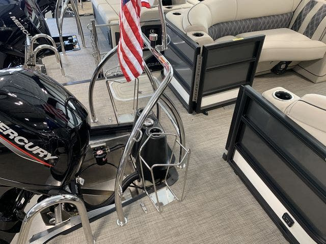 2021 Barletta boat for sale, model of the boat is L23QC & Image # 3 of 11