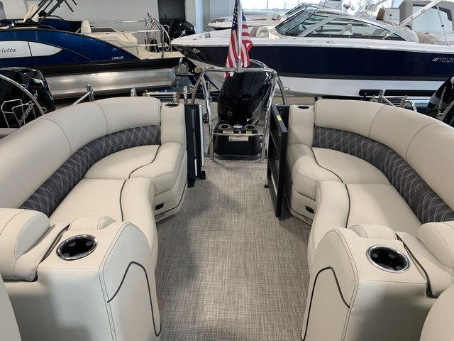 2021 Barletta boat for sale, model of the boat is L23QC & Image # 5 of 11
