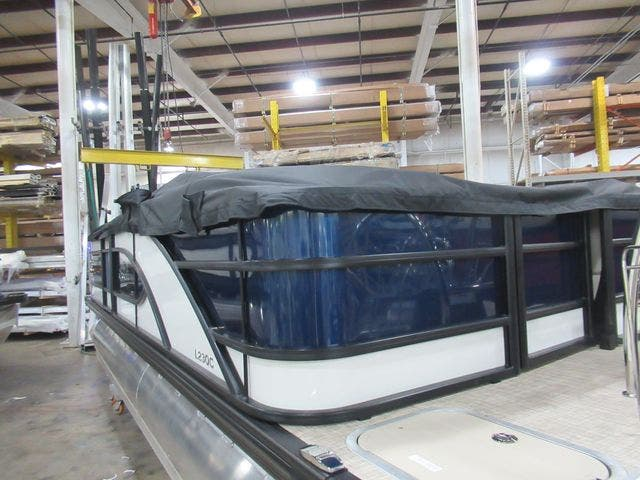 2021 Barletta boat for sale, model of the boat is L23QC & Image # 6 of 31