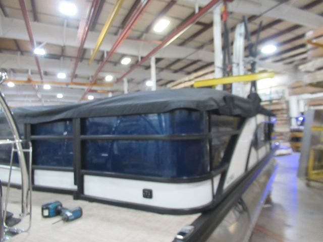 2021 Barletta boat for sale, model of the boat is L23QC & Image # 7 of 31