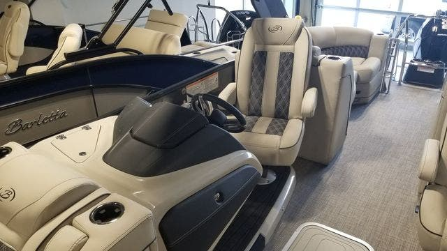 2021 Barletta boat for sale, model of the boat is L23QCSSATT & Image # 7 of 12