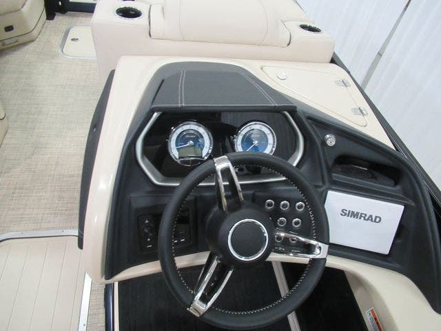 2021 Barletta boat for sale, model of the boat is L23QCTT & Image # 13 of 29