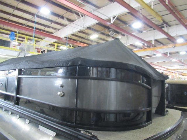 2021 Barletta boat for sale, model of the boat is L23QTT & Image # 5 of 29