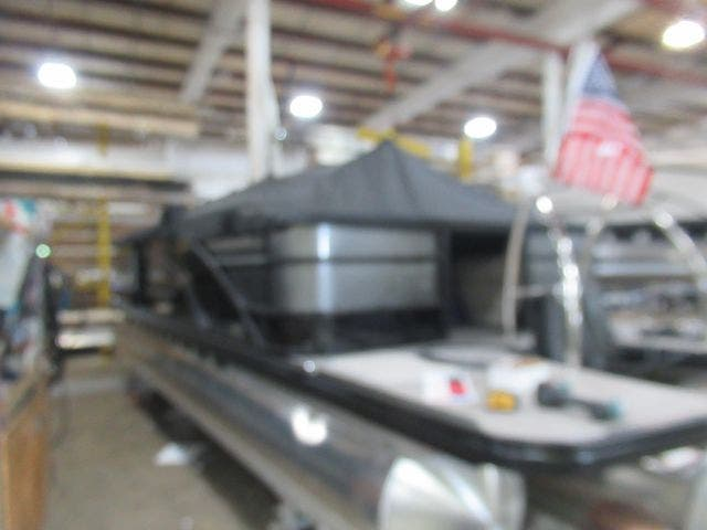 2021 Barletta boat for sale, model of the boat is L23QTT & Image # 7 of 29