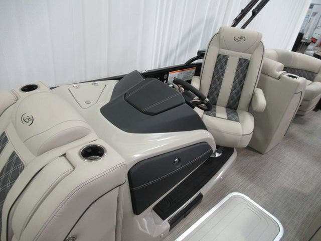 2021 Barletta boat for sale, model of the boat is L23QTT & Image # 10 of 29