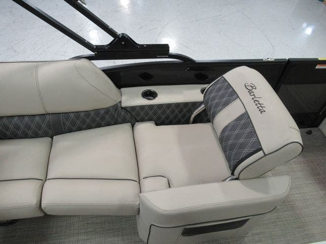2021 Barletta boat for sale, model of the boat is L23QTT & Image # 16 of 29