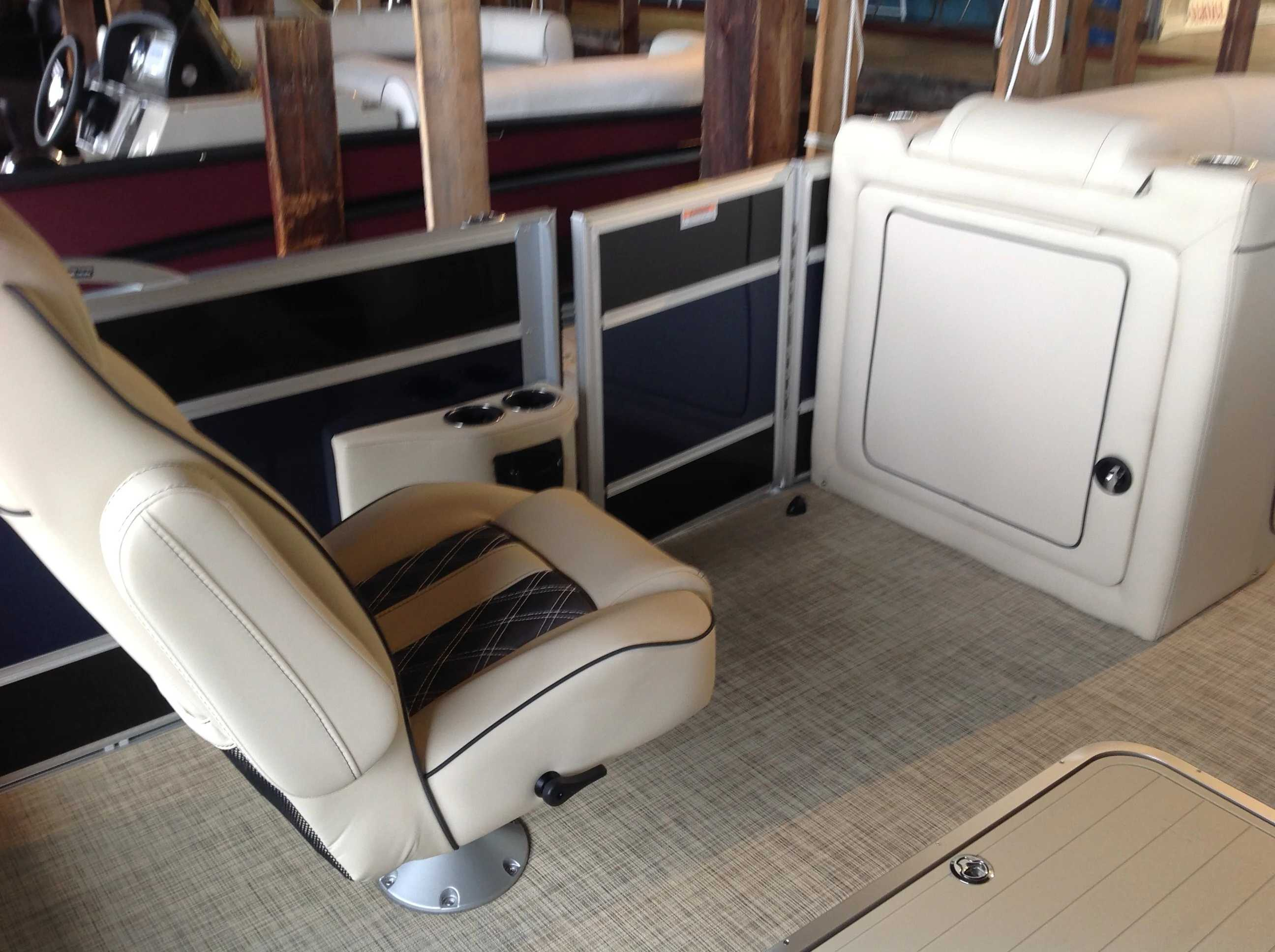 2021 Barletta boat for sale, model of the boat is L23UC & Image # 8 of 12