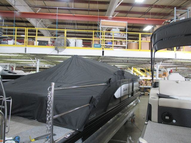 2021 Barletta boat for sale, model of the boat is L23UCTT & Image # 3 of 4